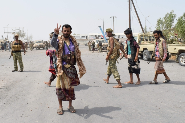 قوات الشرعية اليمنية تتوغل في الضواحي الشرقية للحديدة. (أ ف  ب)