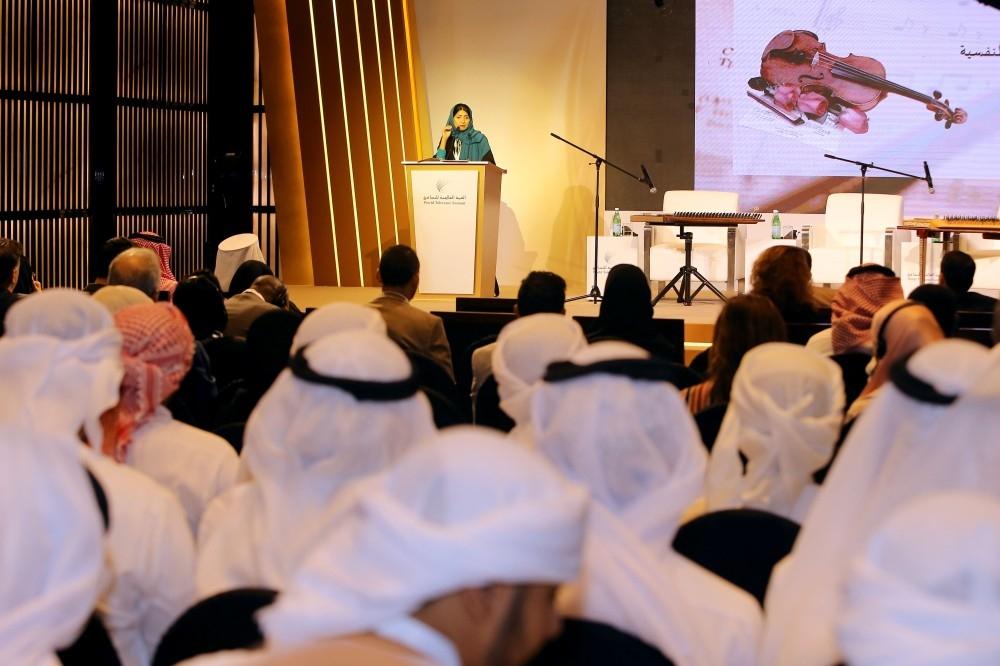 جانب من أعمال القمة العالمية للتسامح في دبي. (الرؤية)