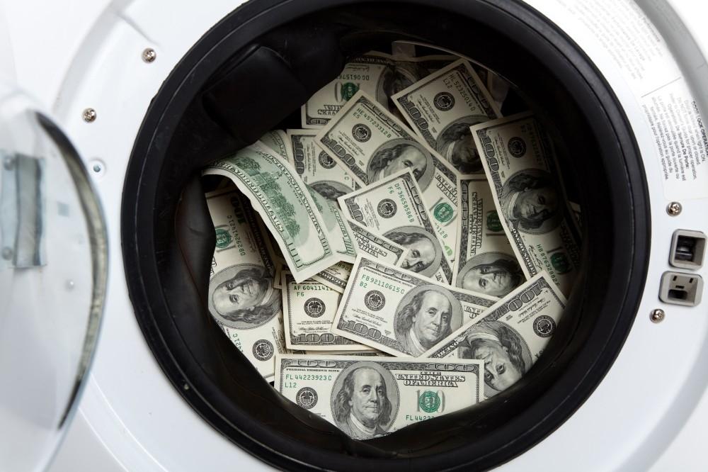 المعنى الحرفي لغسل الأموال