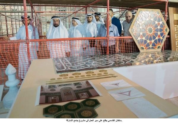 سلطان القاسمي يطلع على سير العمل في مشروع جامع الشارقة. 2