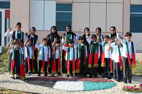 الطلبة أبناء الشهداء يلقون كل الدعم والرعاية التعليمية والاجتماعية. (تصوير: محمد بدرالدين - «الرؤية»)