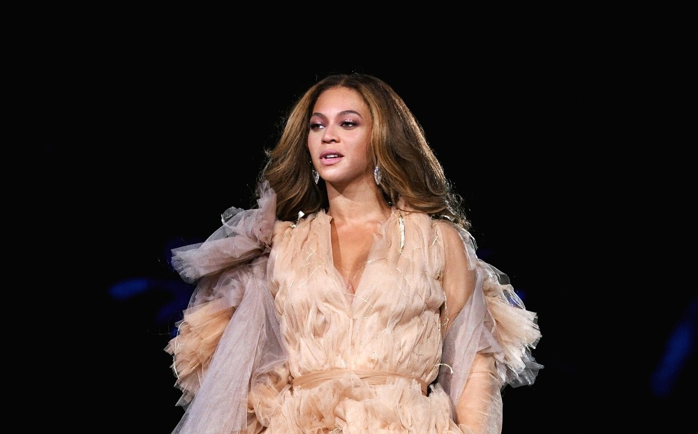 PASADENA, CA - SEPTEMBER 22: Beyonce performs onstage during the 'On The Run II' Tour' at Rose Bowl on September 22, 2018 in Pasadena, California. (Photo by Larry Busacca/PW18/Getty Images for Parkwood Entertainment)