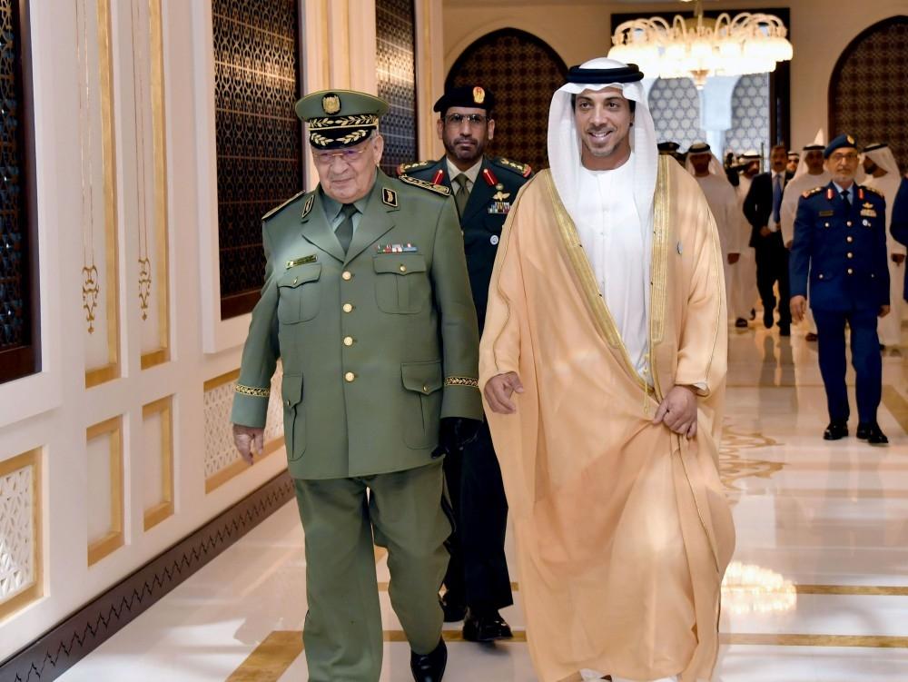 منصور بن زايد يستقبل نائب وزير الدفاع الجزائري