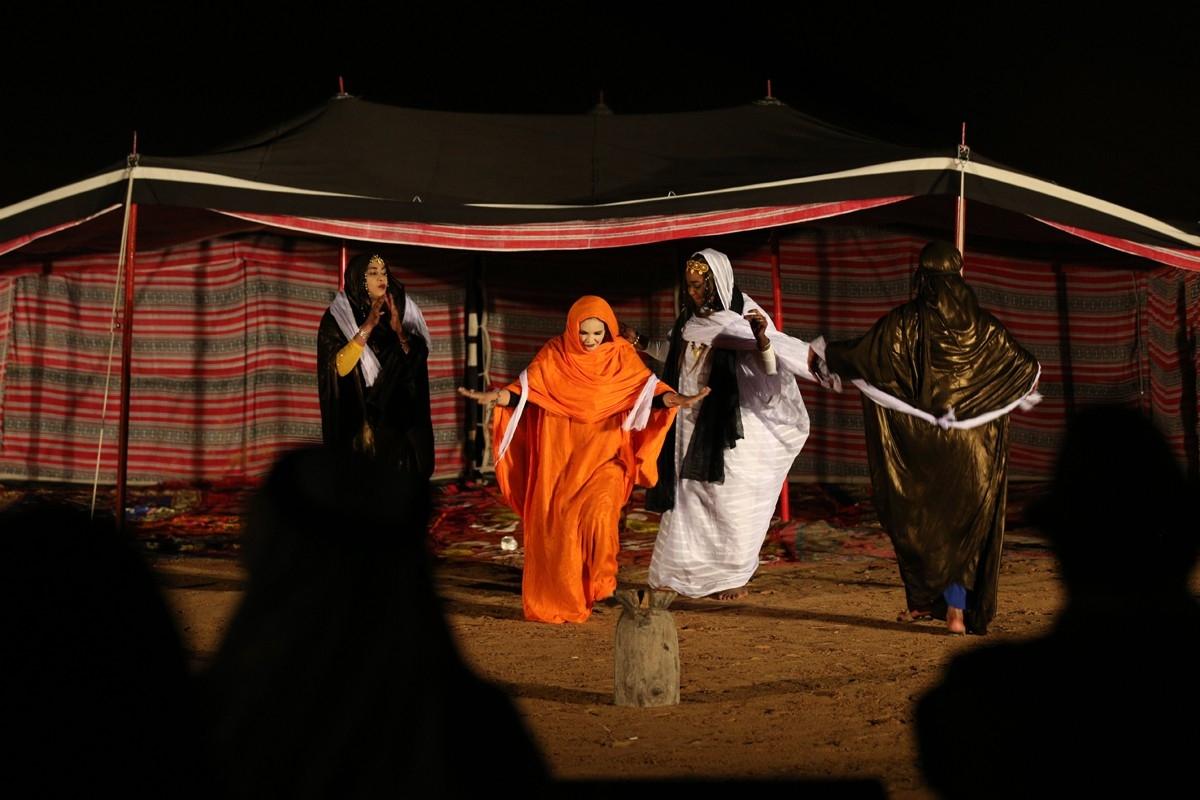 مشهد من أحد العروض المشاركة في الدورة السابقة للمهرجان. (الرؤية)