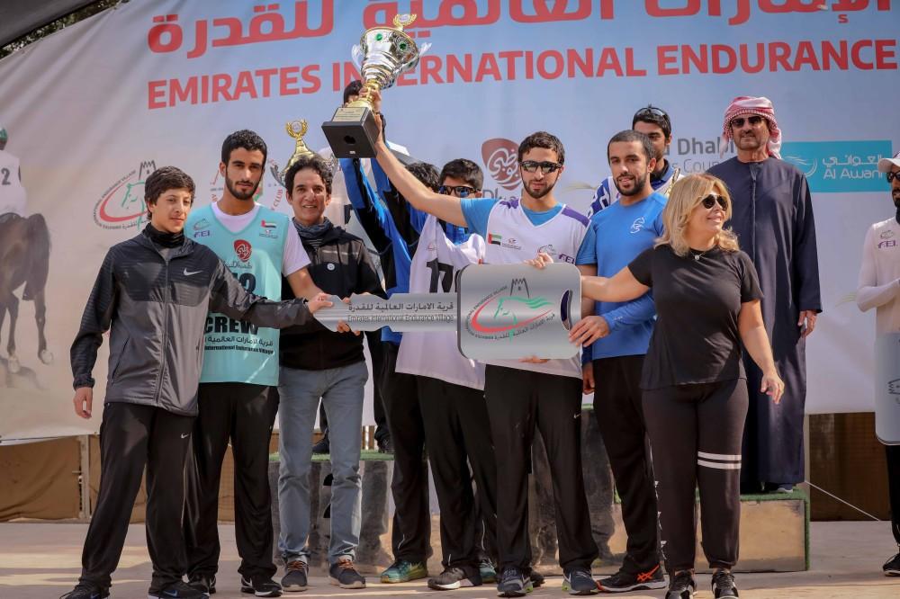 محمد المري بطل السباق.
