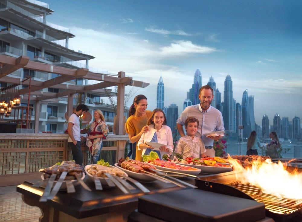 500 موقع في الإمارات تقدم أسعاراً مخفضة لحملة بطاقة الصعود إلى الطائرة. (الرؤية)