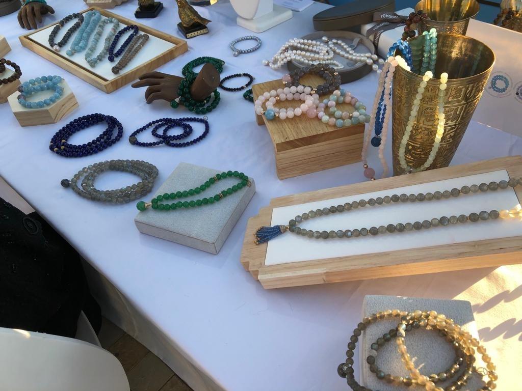 خلال مشاركة أخيرة للمحل في أحد المعارض المتخصصة في تسويق الأزياء والإكسسوارات (4)