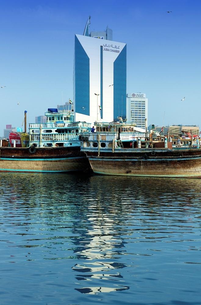 تعمل دبي على نشر قيم التسامح وتعزيز تنافسية الأعمال. (الرؤية)