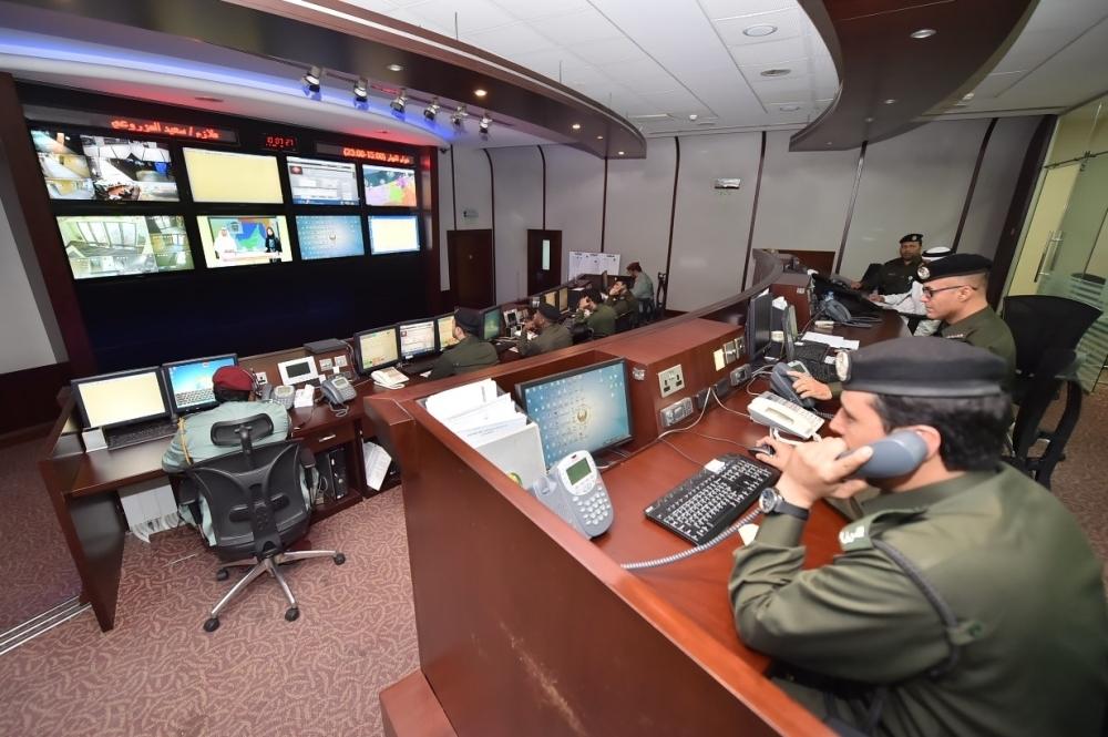8200 إنذار فعلي تلقتها غرفة عمليات الدفاع المدني في دبي منذ بدء تطبيق النظام. (الرؤية)