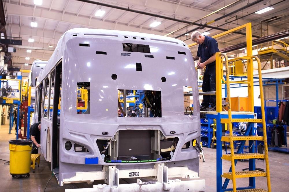خروج بريطانيا من الاتحاد الأوروبي يترك بصمات سلبية على قطاع صناعة السيارات. (بلومبيرغ)