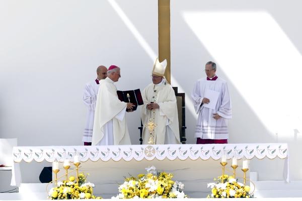 قداس البابا فرنسيس في مدينة زايد الرياضية - أبوظبي