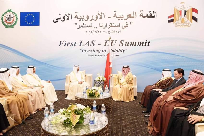 حمد الشرقي في لقاء مع ملك البحرين.