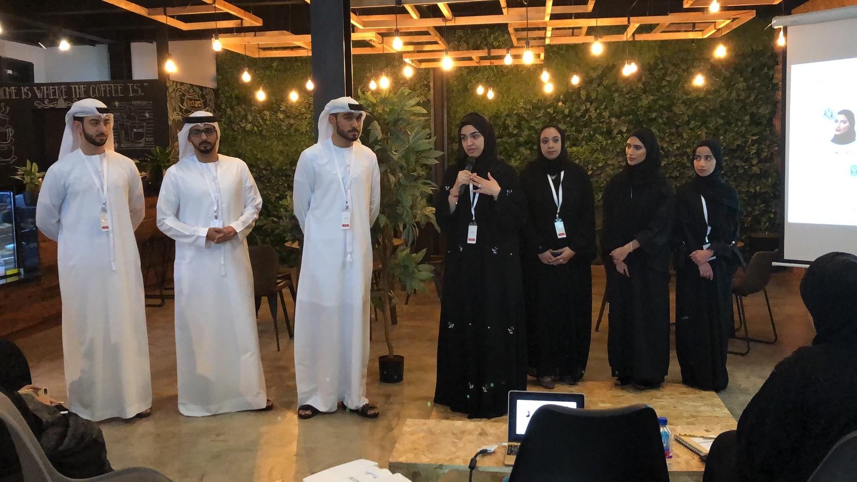 جانب من مزاد الأفكار في مجلس دبي للشباب. (الرؤية)