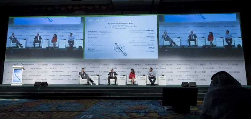 خلال فعاليات الدورة السنوية الخامسة عشر من المؤتمر الاستثماري «إي إف جي هيرميس ون أون ون». (الرؤية)