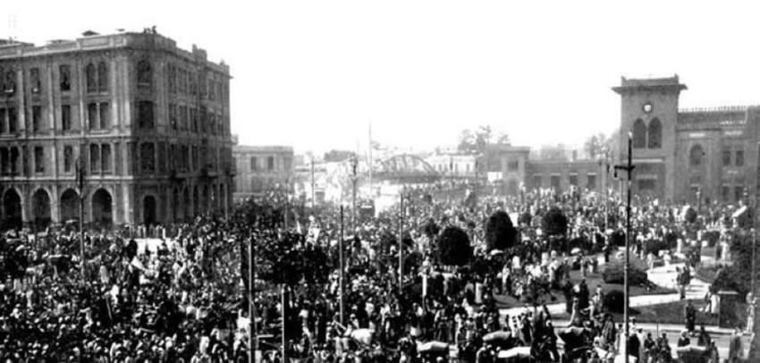 ثورة 1919 شكّلت وجدان الأديب العالمي مبكراً حيث تعرّف من خلالها إلى عالم السياسة.