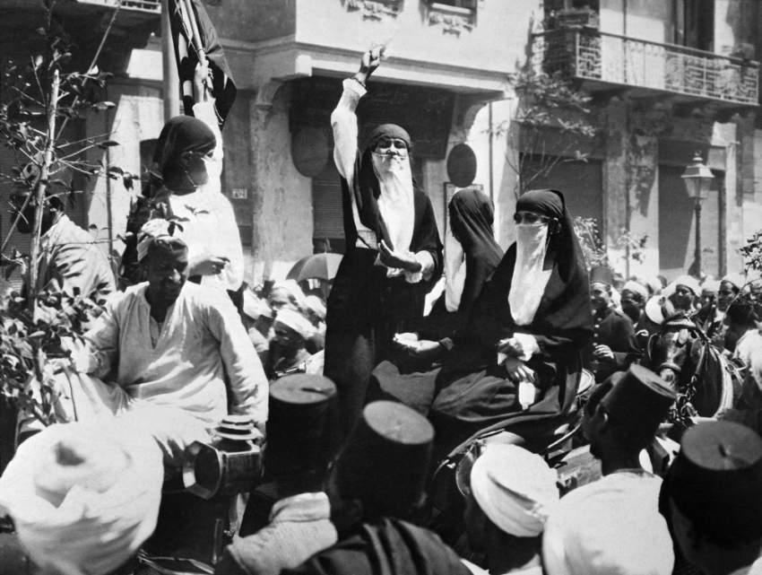 مشاركة النساء المصريات في الثورة.