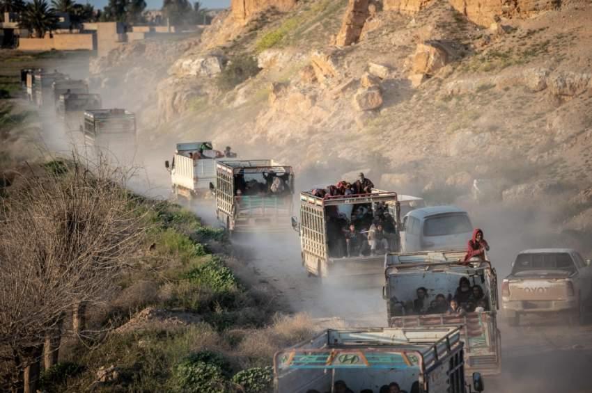 مدنيون فارون من آخر جيوب داعش في الباغوز. (أ ف ب)