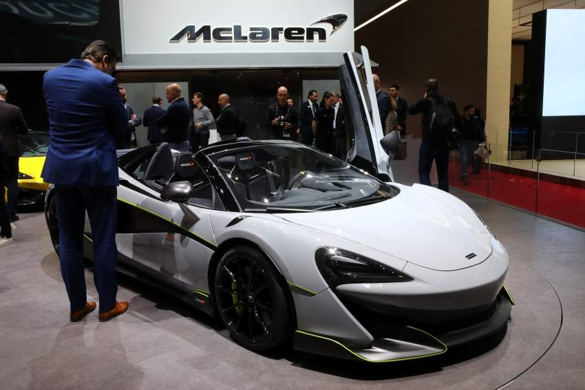 السيارة مكلارين 600LT.