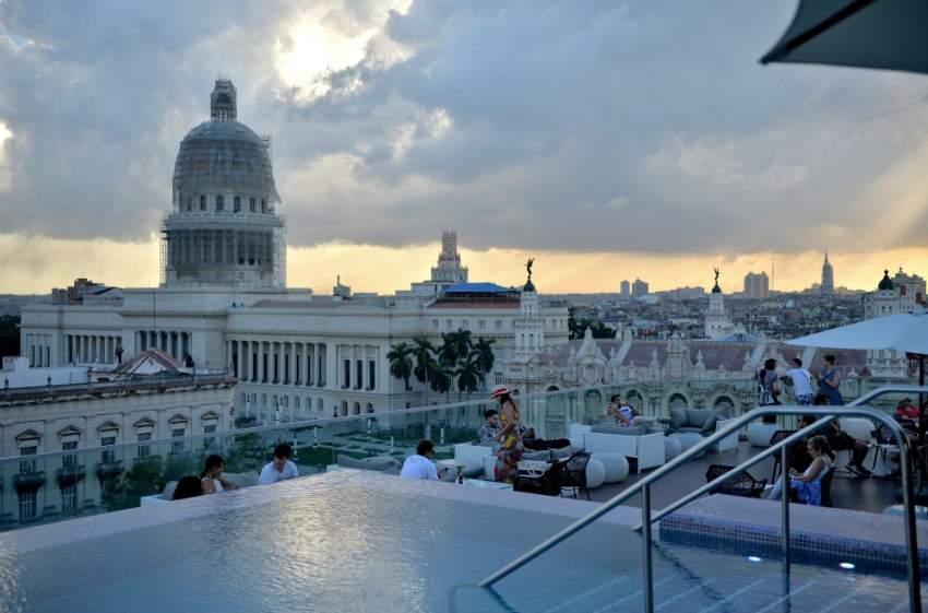 اطلالة لـ «كوبا» من أحد الفنادق الفاخرة