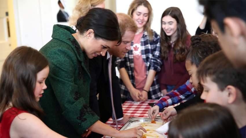ميغان مع الأمير هاري