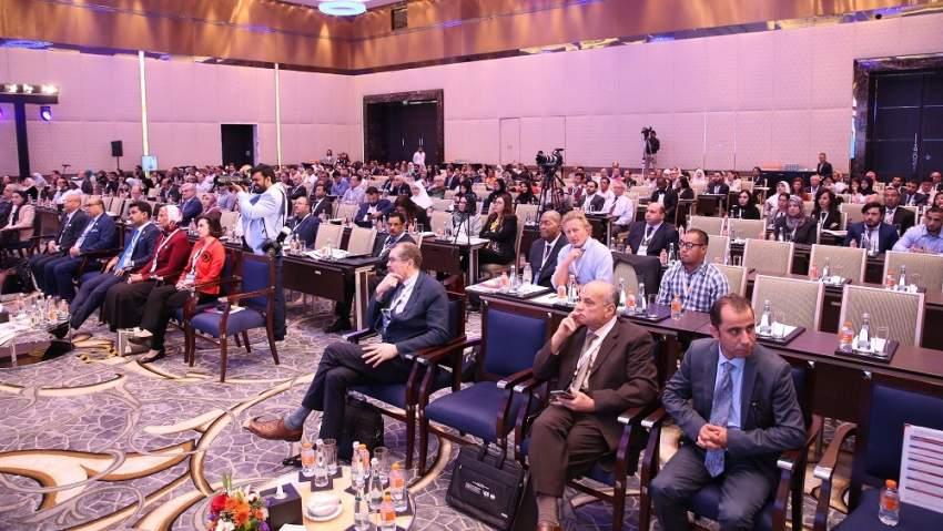 جانب من مؤتمر أبوظبي السادس لفيتامين «د» في فندق أبراج الاتحاد. (الرؤية)