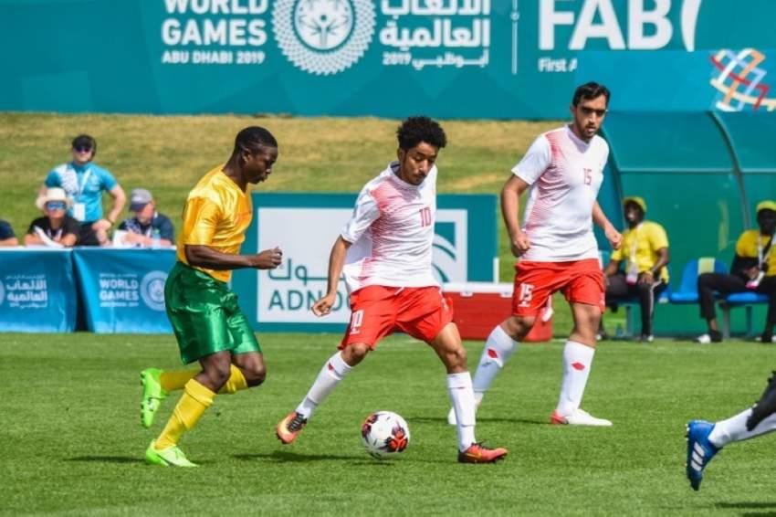من مباراة الإمارات وجامايكا ضمن كرة قدم الأولمبياد الخاص. (الرؤية)