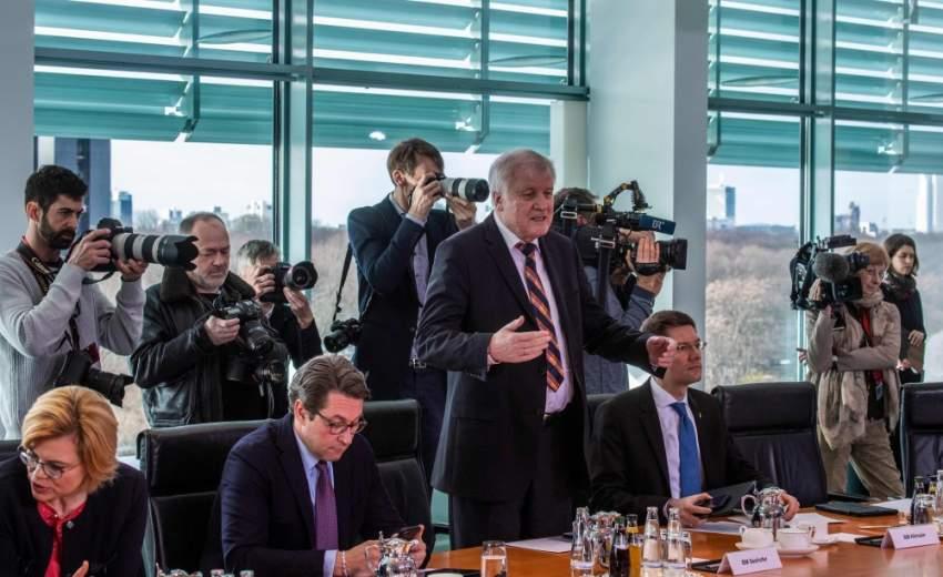 هورست زيهوفر- وزير الداخلية الألماني
