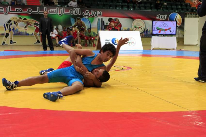 الشاب بدر العلي - لاعب منتخب الإمارات للمصارعة