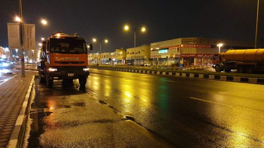 بلدية مدينة الشارقة توفر 250 مضخة وكوادر مؤهلة للتعامل مع الأمطار