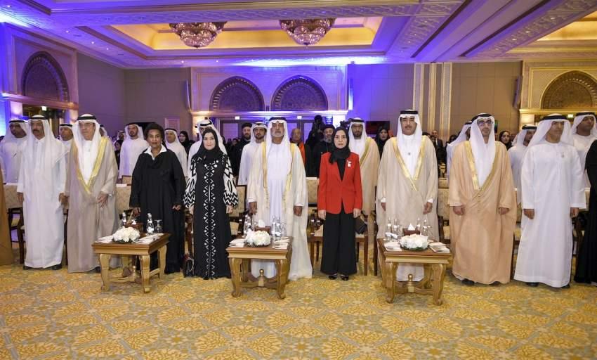 نهيان بن مبارك خلال افتتاح مؤتمر «دور الأسرة في تعزيز قيم التسامح» بأبوظبي. (الرؤية)