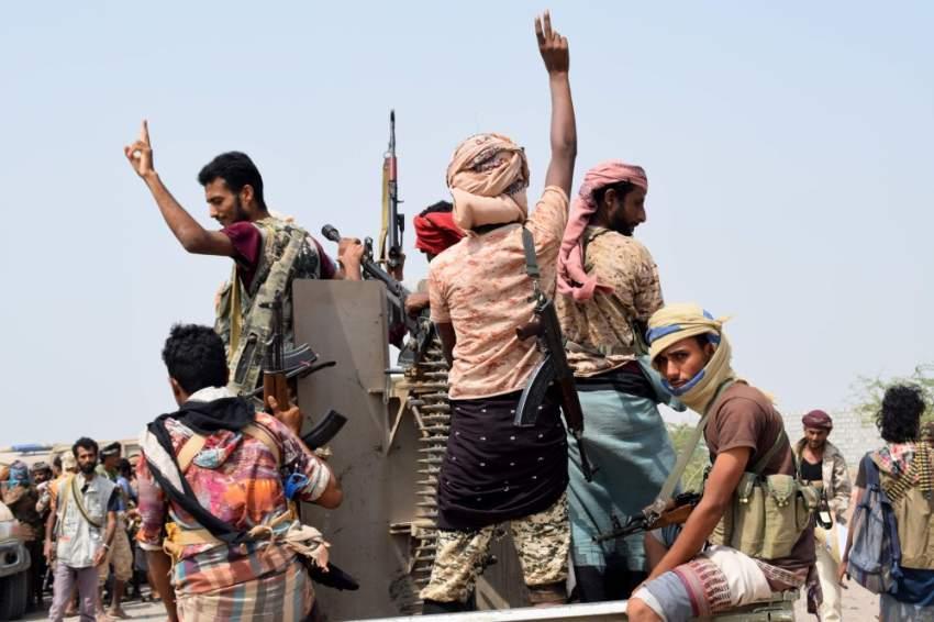 قوات الجيش اليمني والمقاومة المشتركة على جبهة الحديدة (أ ف ب)