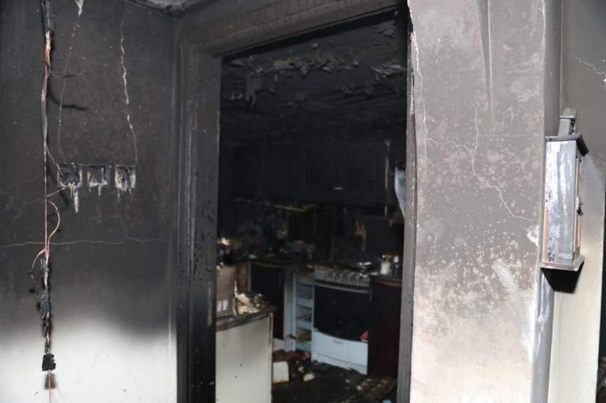 أخماد حريق شقة سكنية في عجمان