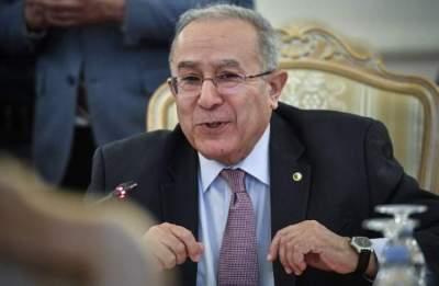 وزير الخارجية الجزائري يدعو روسيا إلى تفهم طبيعة الوضع ببلاده