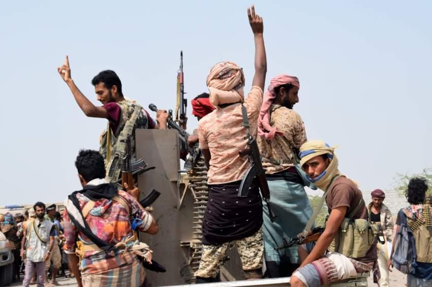 قوات الجيش اليمني والمقاومة المشتركة على جبهة الحديدة. (أ ف ب)
