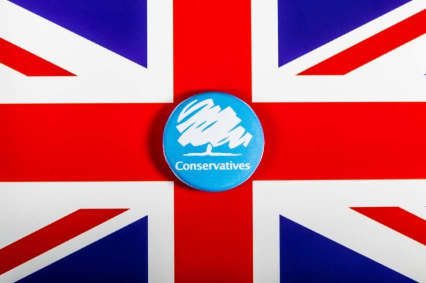 تعليق عضوية 25 نائباً في حزب المحافظين البريطاني لتعليقاتهم العنصرية ضد الإسلام