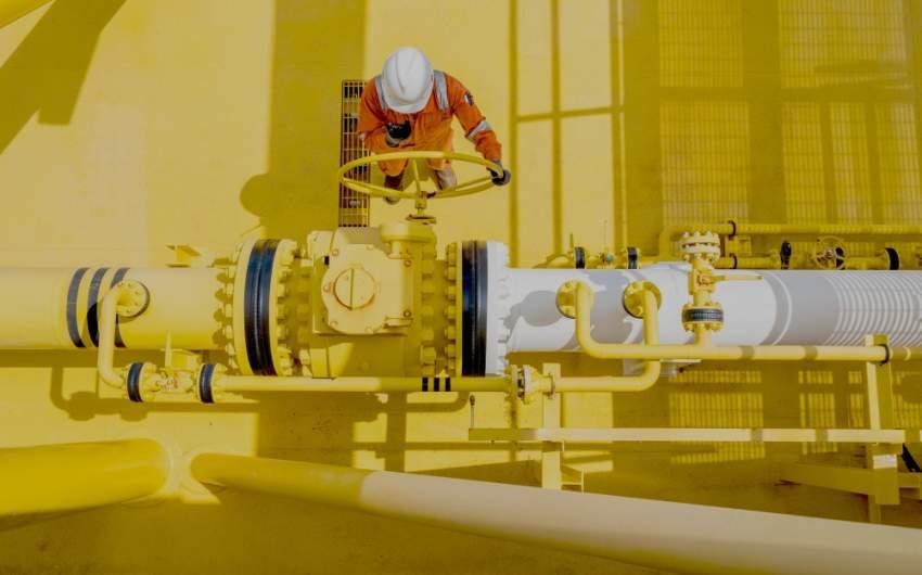 عامل في حقول النفط