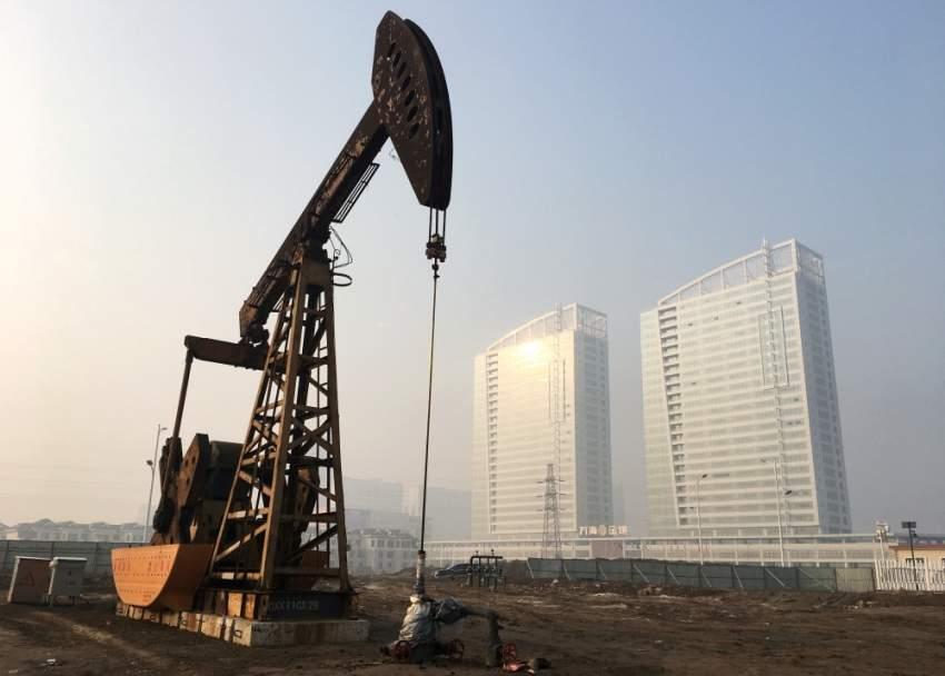 شبح ركود الاقتصاد الأمريكي يمنع أسعار النفط من الصعود