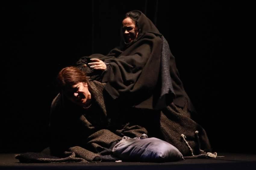 مشهد من مسرحية العرجون القديم.