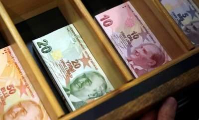 أردوغان يهدد المصرفيين الأتراك بثمن باهظ للمضاربة بالليرة