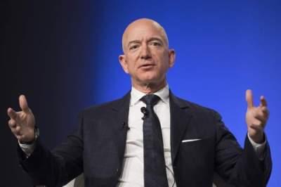 جيف بيزوس - الرئيس التنفيذي لشركة أمازون
