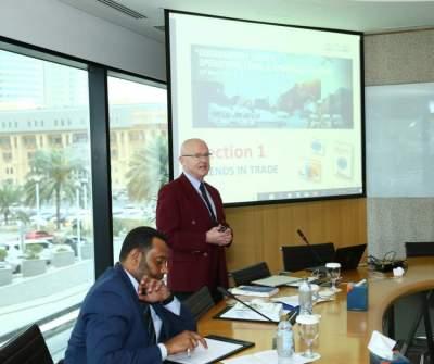 غرفة دبي تناقش تطورات التجارة الدولية وقضايا التمويل