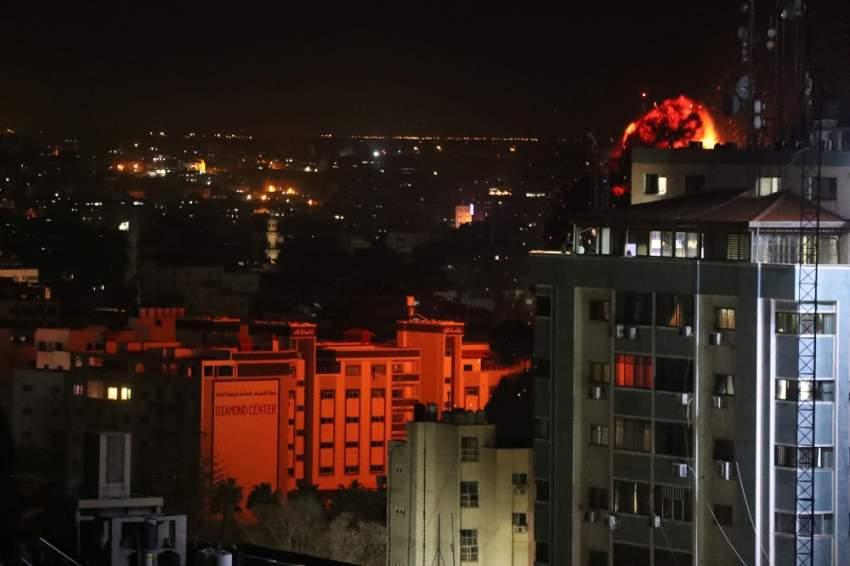 حي في غزة بعد غارة إسرائيلية. (أ ف ب )