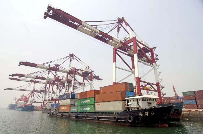 رئيس وزراء الصين يؤكد التعهد بمزيد من الانفتاح للاستثمار الأجنبي