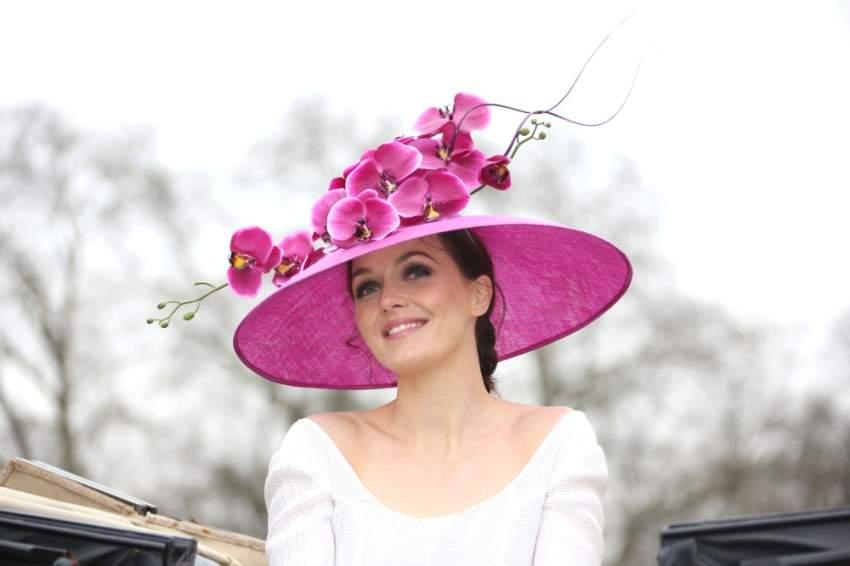قبعة بتصميم مميز