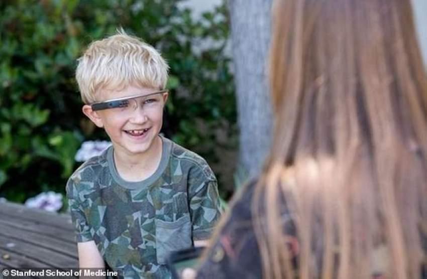 هل تساعد نظارات غوغل على معالجة اضطربات التوحد لدى الأطفال؟