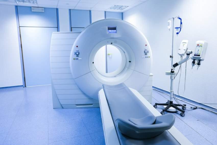 «خليفة الطبية» في عجمان تدشن خدمات الذكاء الاصطناعي بأقسام الأشعة