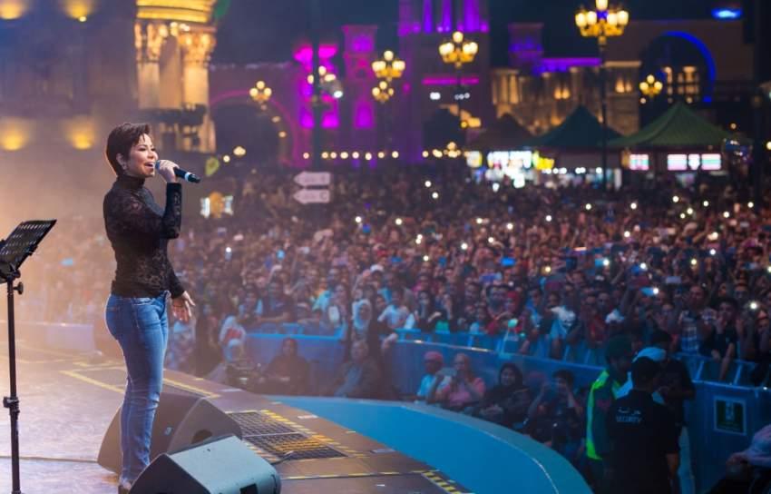 جانب من حفل النجمة اللبنانية شيرين عبدالوهاب في القرية العالمية