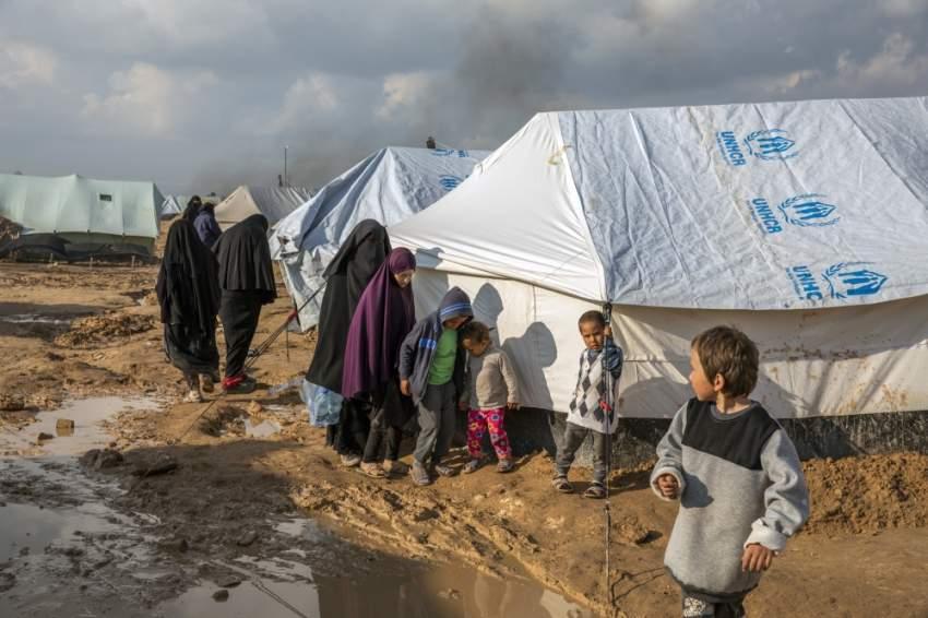 نازحون في مخيم الهول شمال شرق سوريا. (نيويورك تايمز)