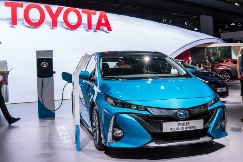 تويوتا تعرض استغلال براءات اختراع سياراتها الهجينة مجاناً