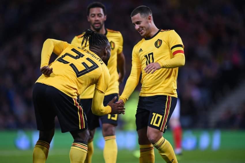 لاعبو بلجيكا محتفلين بالفوز على آيسلندا في دوري الأمم الأوروبية سبتمبر الماضي. (أ ف ب)